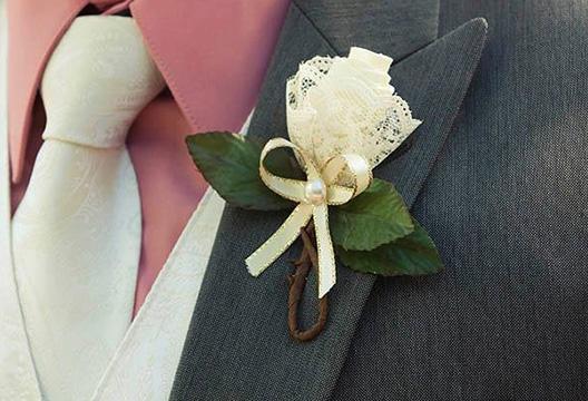 Бутоньерка для жениха из лент своими руками